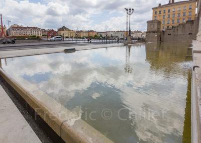 fontaine-miroir-du-palais-de-justice-lyon-Frederic-Chillet-1