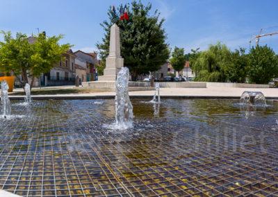 fontaine-miroir-place-du-champ-de-mars-st-jean-de-moirans-Frederic-Chillet-2