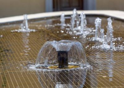 fontaine-miroir-place-du-champ-de-mars-st-jean-de-moirans-Frederic-Chillet-4