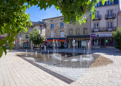 fontaines-seche-dynamique-place-carnot-yssingeaux-Frederic-Chillet-1