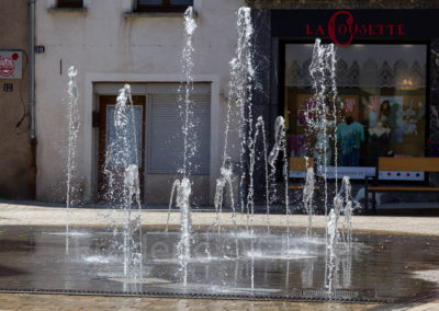 fontaines-seche-dynamique-place-carnot-yssingeaux-Frederic-Chillet-2